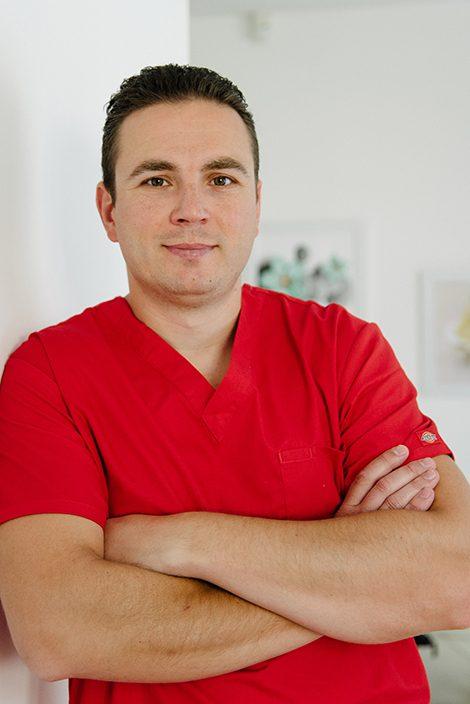 Д-р Мирослав Трендафилов